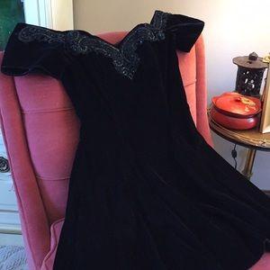 Off shoulder black velour& sequins party dress